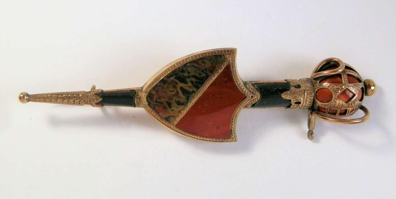 Victorian Scottish gold sword kilt pin, 1874