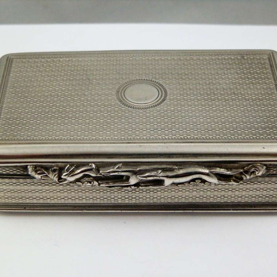 A George IV silver table snuff box, London 1825