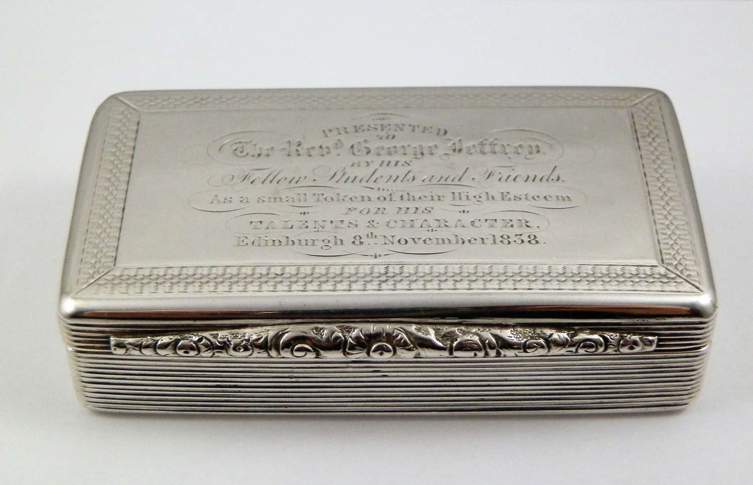 A William IV silver presentation snuff box, Birmingham 1827