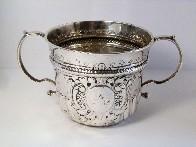 George I Britannia silver porringer, William Pearson 1719