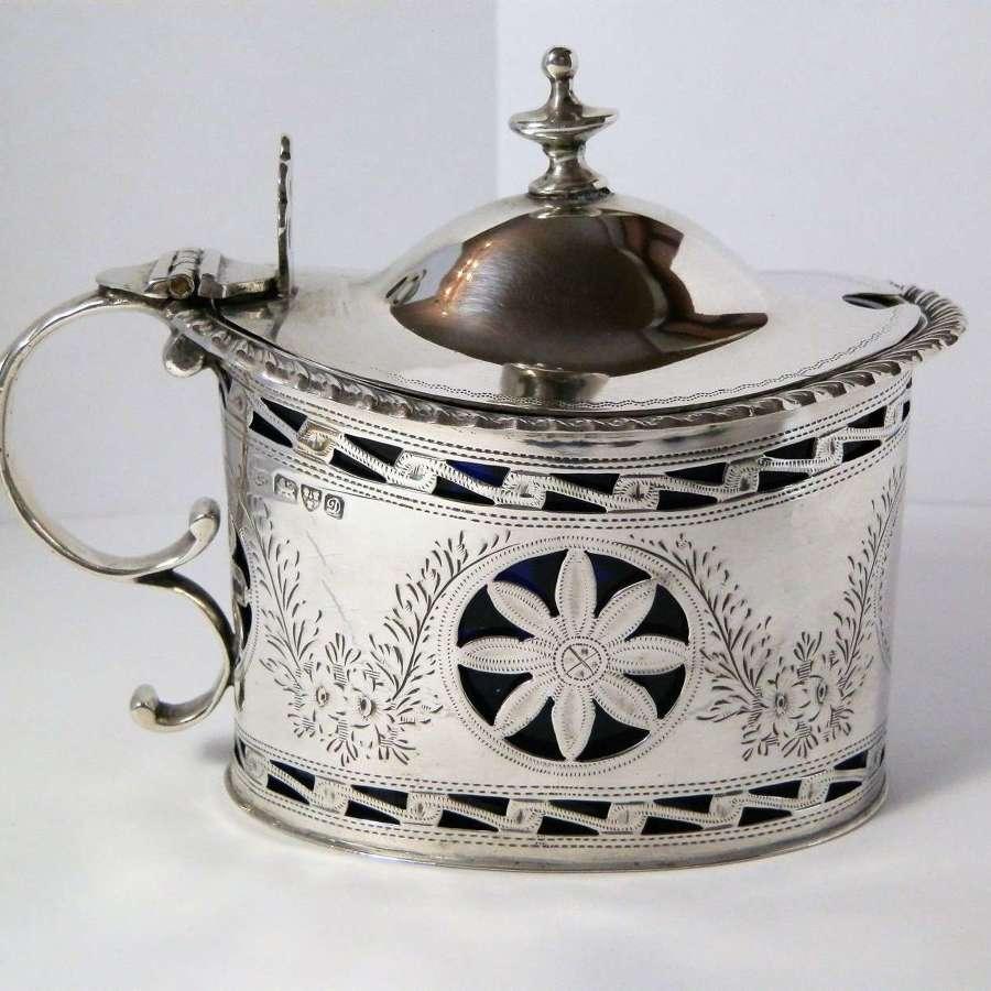 Edwardian silver mustard pot, Chester 1904