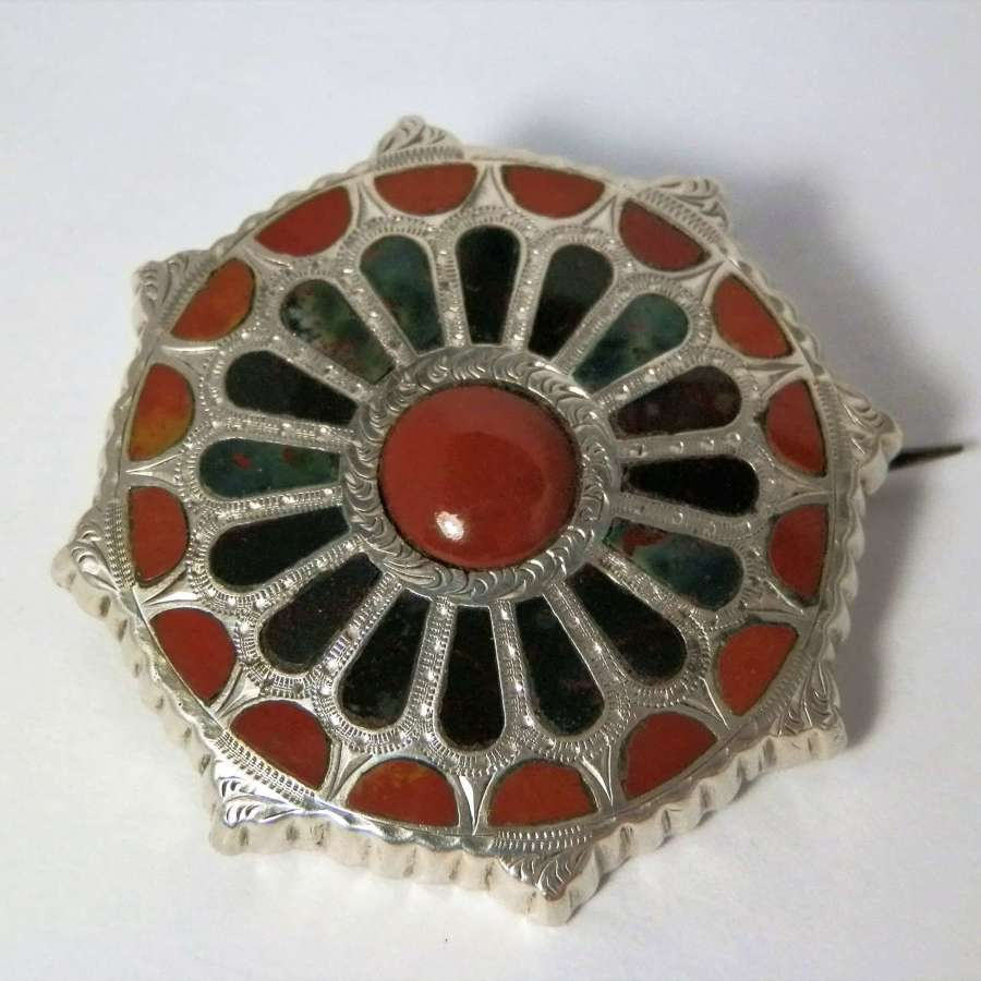 Victorian Scottish silver agate brooch, c.1880