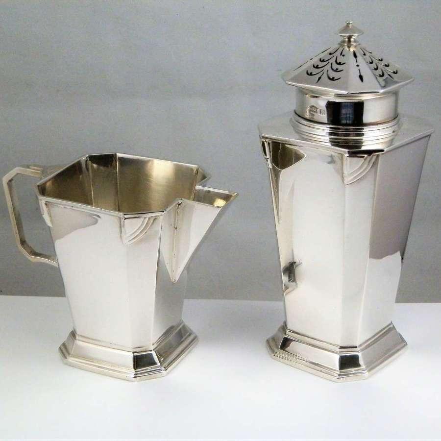 An Art Deco Silver sugar caster and cream jug, Birmingham 1934