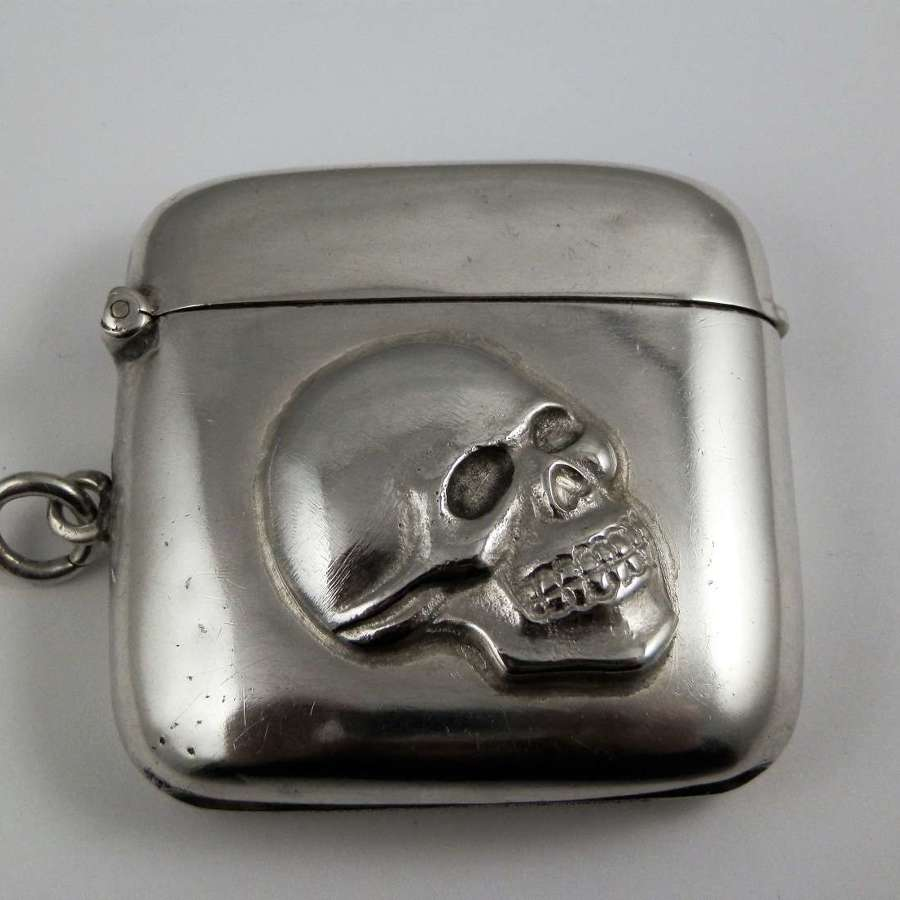 Skull silver vesta case, Birmingham 1913
