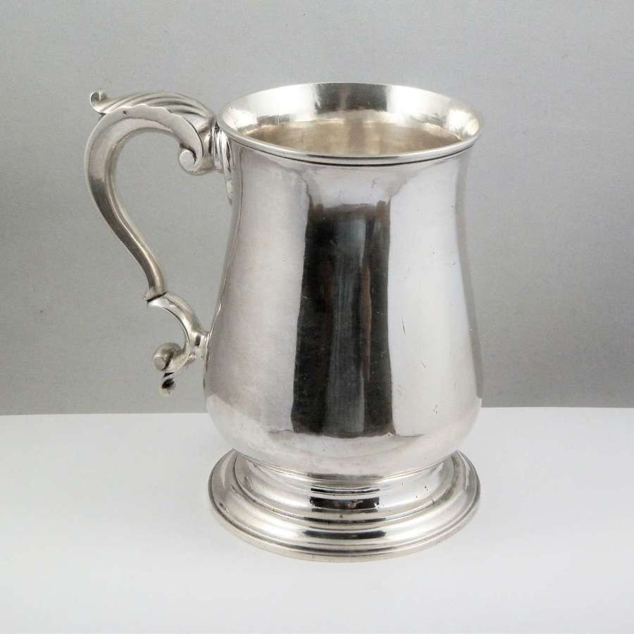 George III silver pint tankard, John King, London 1771