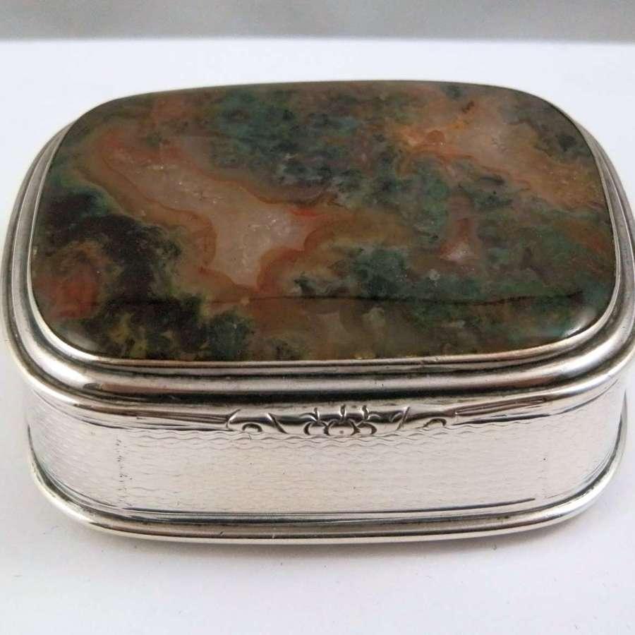 A Victorian Scottish agate and silver snuff box, Edinburgh 1850