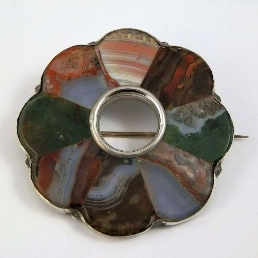 Scottish silver and agate  slate back brooch. c.1880