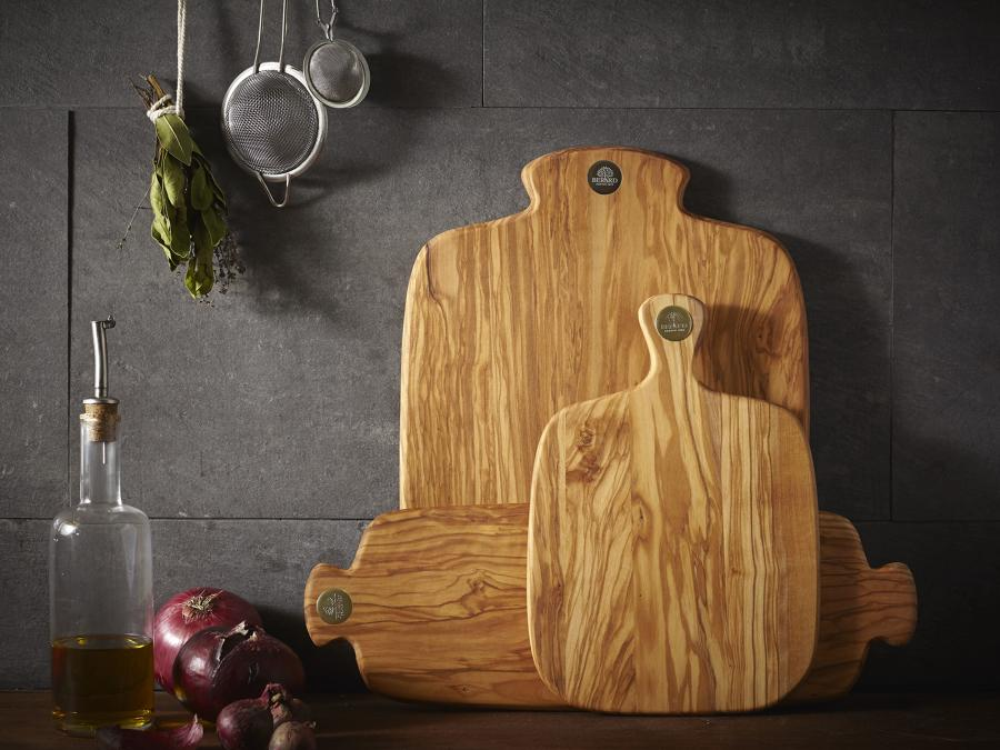 RACINE Small Olive wood board with handle with Berard Gift Bag & wax