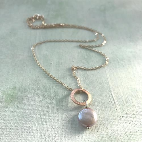 Lydia necklace - pink coin pearl