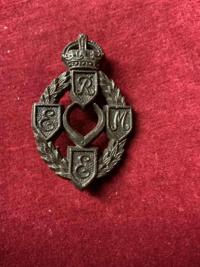 Royal Electrical Mechanical Engineers, Plastic Cap Badge.