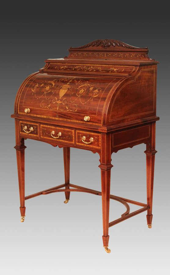 A Beautiful Late Victorian Mahogany cylinder desk.