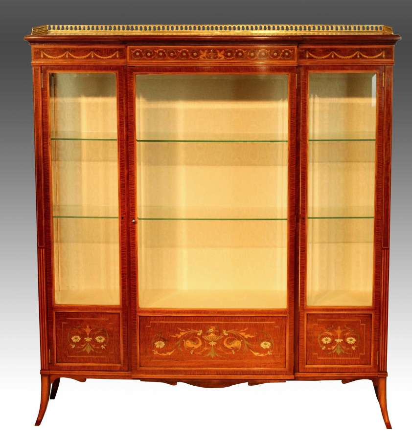 A Late Victorian Mahogany Marquetry Fiddleback Display Cabinet.