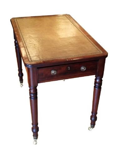 A Georgian mahogany writing table