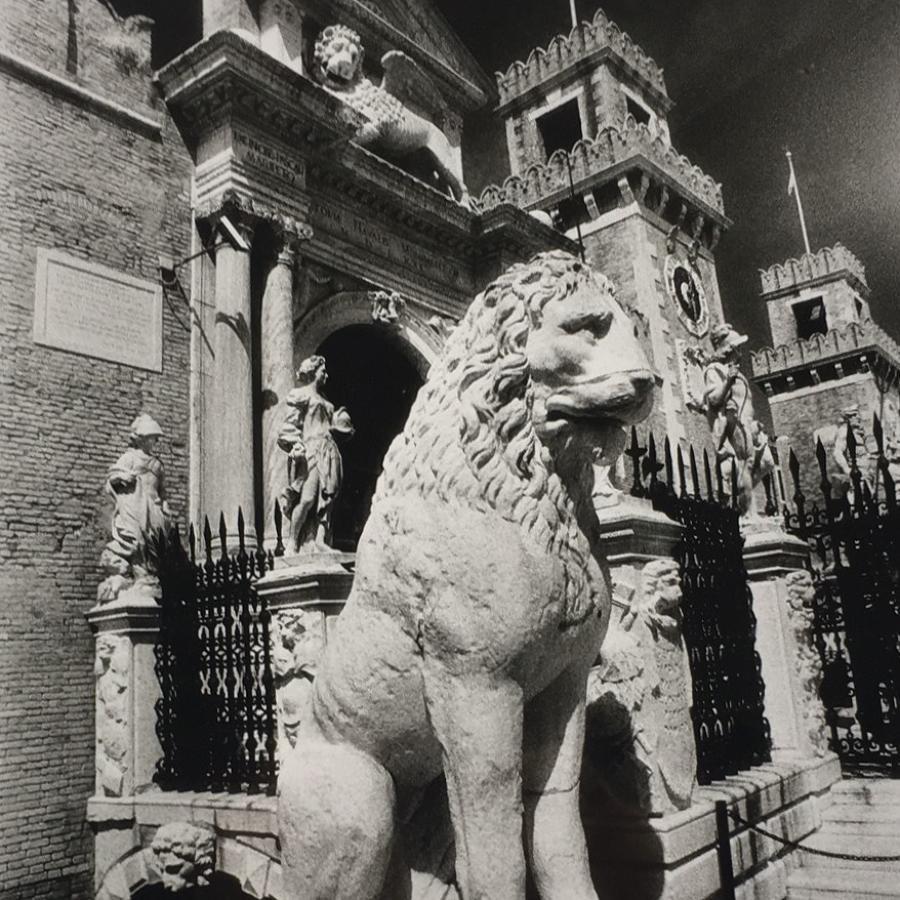 Simon Marsden. Lions, Venice