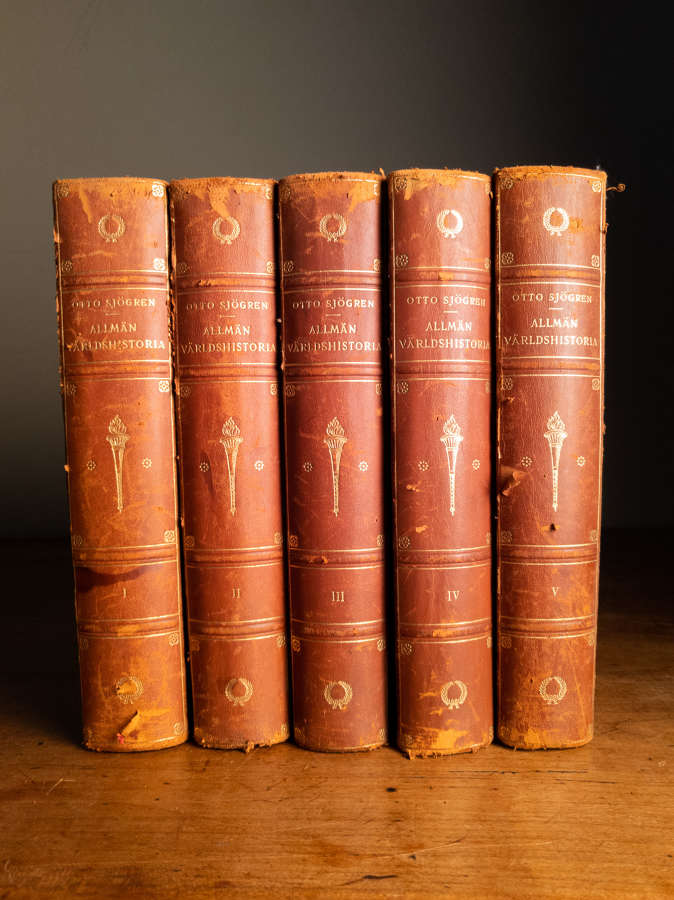 Dated 1922 A Set of 5 Brown Leather Books
