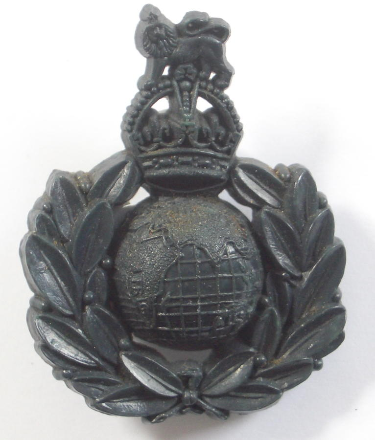 Royal Marines WW2 bakelight cap badge