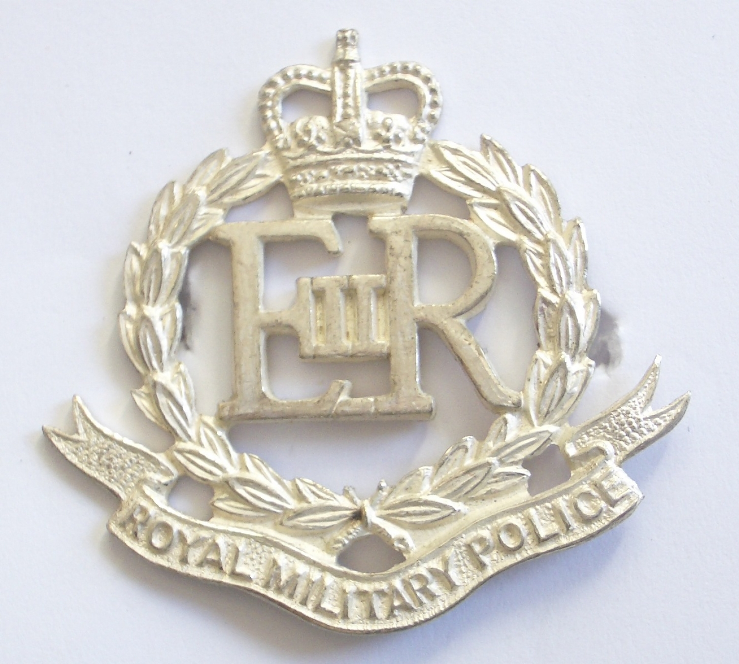 Royal Military Police Officer's cap badge