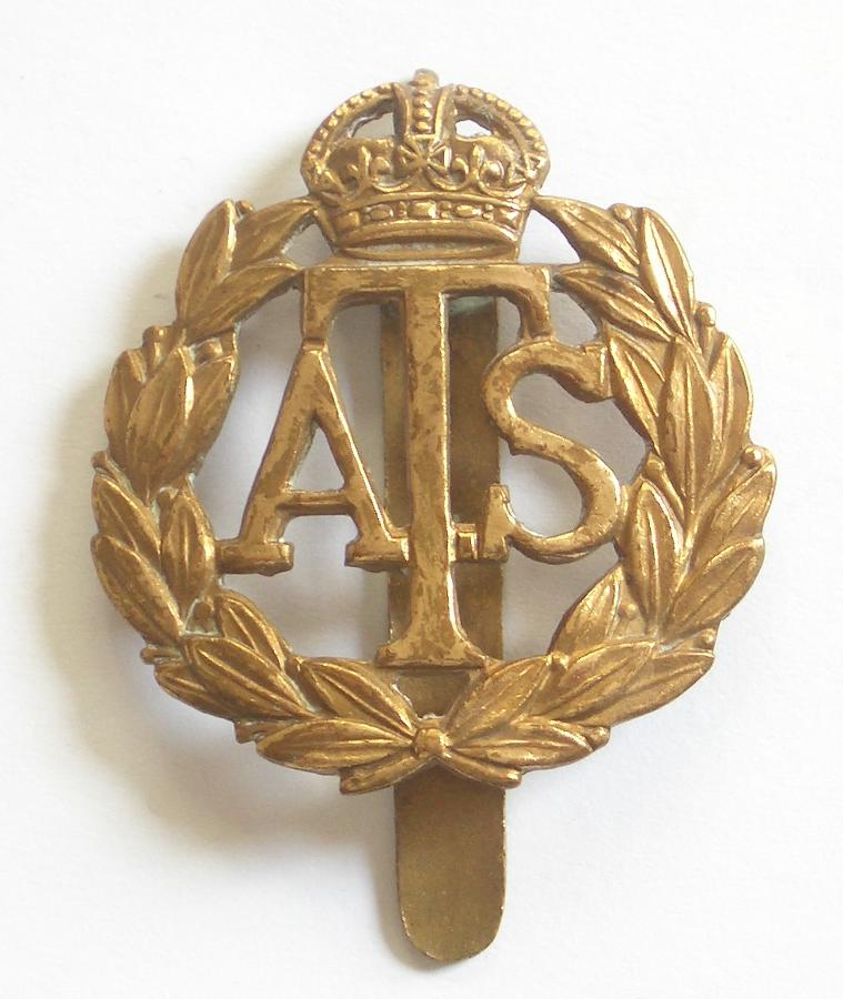ATS WW2 brass cap badge