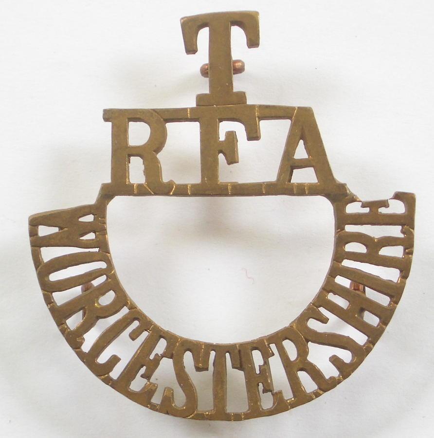 T / RFA / WORCESTERSHIRE brass shoulder title