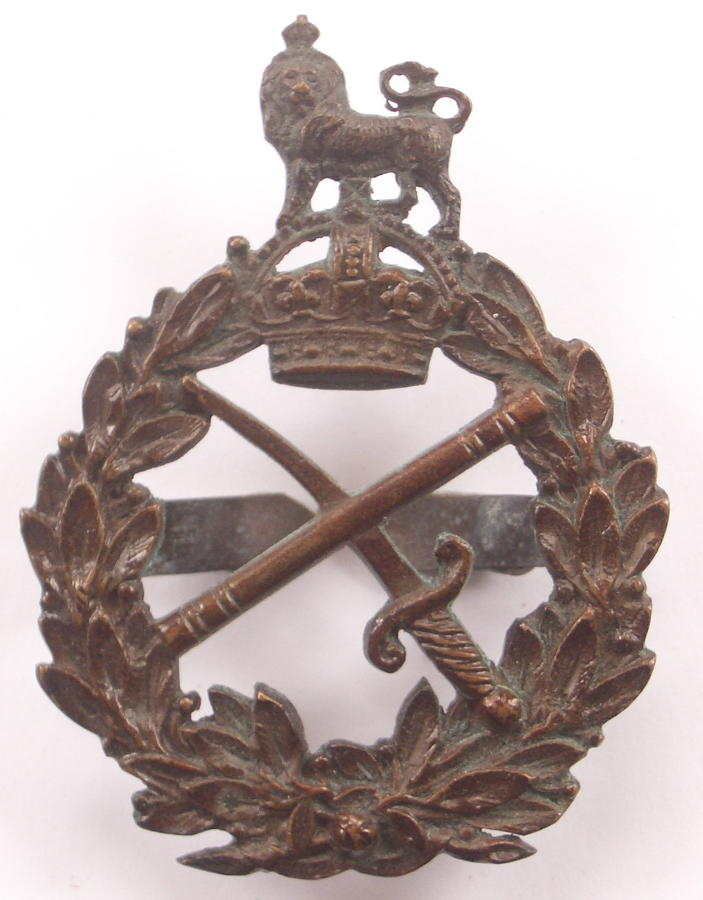 WW1 General's bronze cap badge