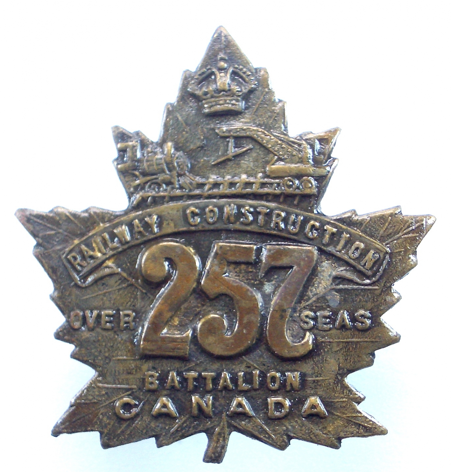 Canadian 257th Bn CEF cap badge