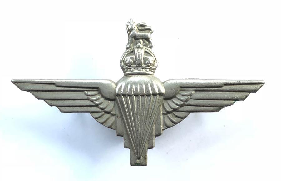 Parachute Regiment WW2 beret badge.