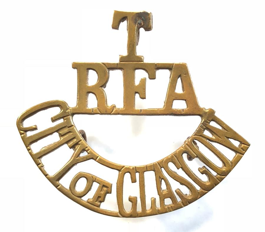 T / RFA / CITY OF GLASGOW brass Scottish shoulder title circa 1908-21.