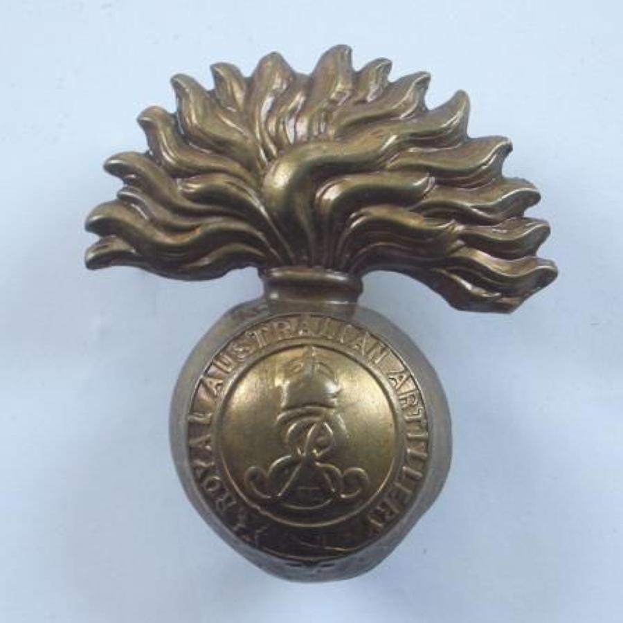 Edward VII Royal Australian Artillery Cap Badge circa 1902-10.