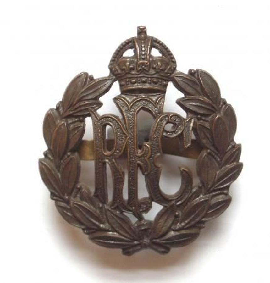 Royal Flying Corps RFC OSD bronze cap badge by Gaunt London
