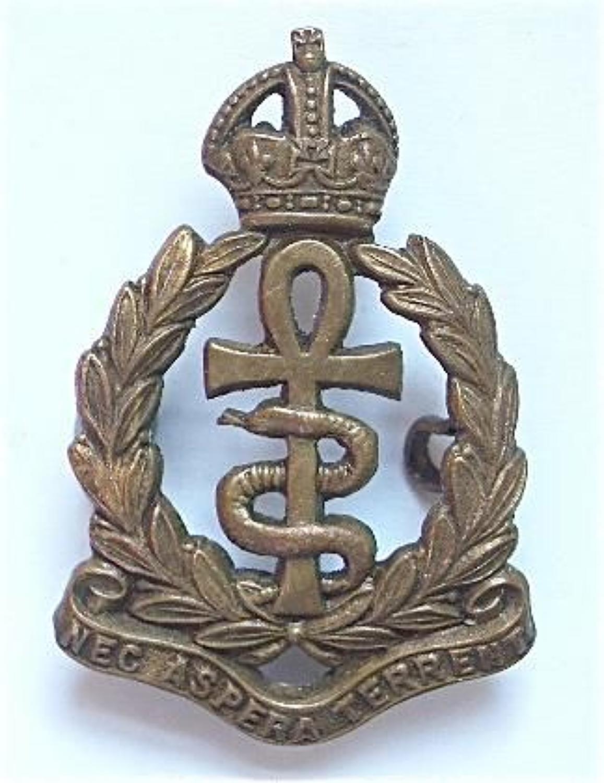 Royal Air Force OR's RAF Medical Branch 1918 collar badge.