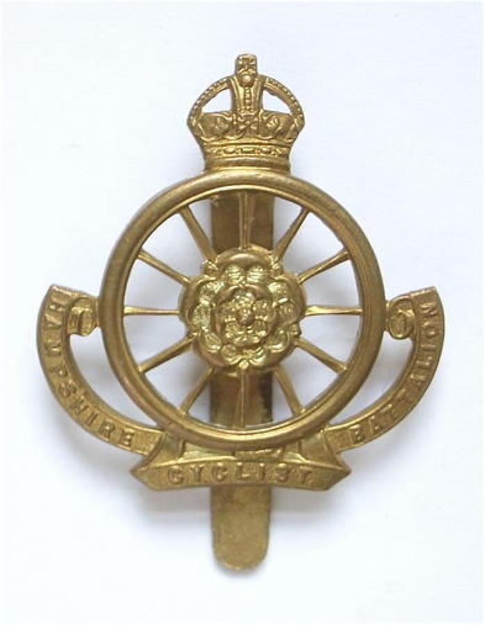 9th (Cyclist) Bn. Hampshire Regiment Ww1 OR's cap badge circa 1911-2