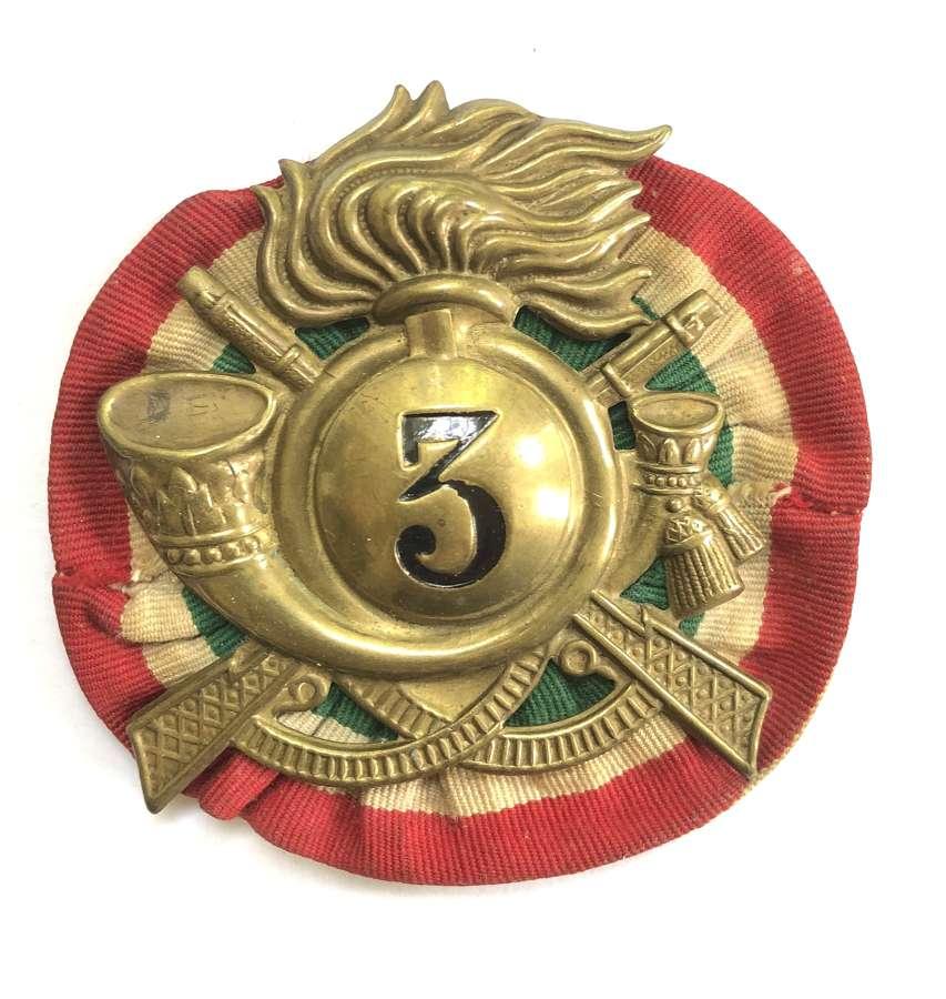 Italian Bersaglieri WW2 era headdress badge with rosette