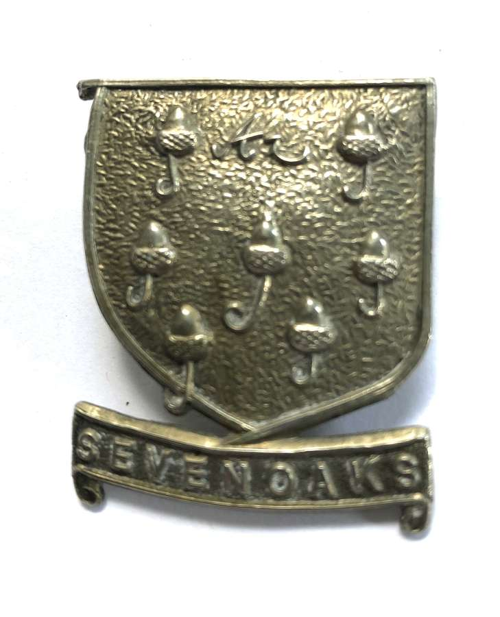 Sevenoaks School OTC white metal Kent cap badge