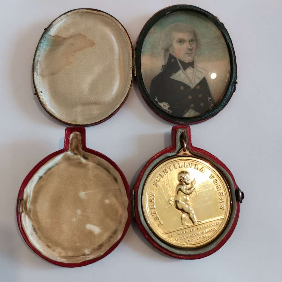 Royal Humane Society Gold Medal awarded to Lt Archibald Duff 1799.