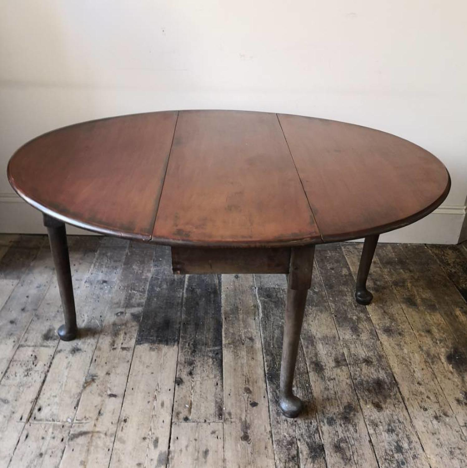 Georgian drop leaf dining table