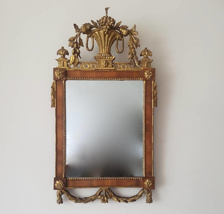 Neo classical mirror