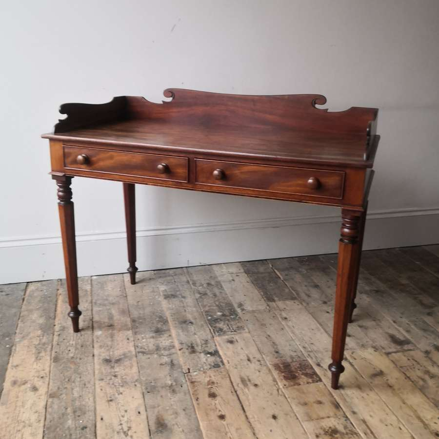 Fine quality 19th century two drawer writing table